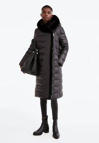 Uterqüe - Down coat - black - 1