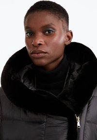 Uterqüe - Down coat - black - 5