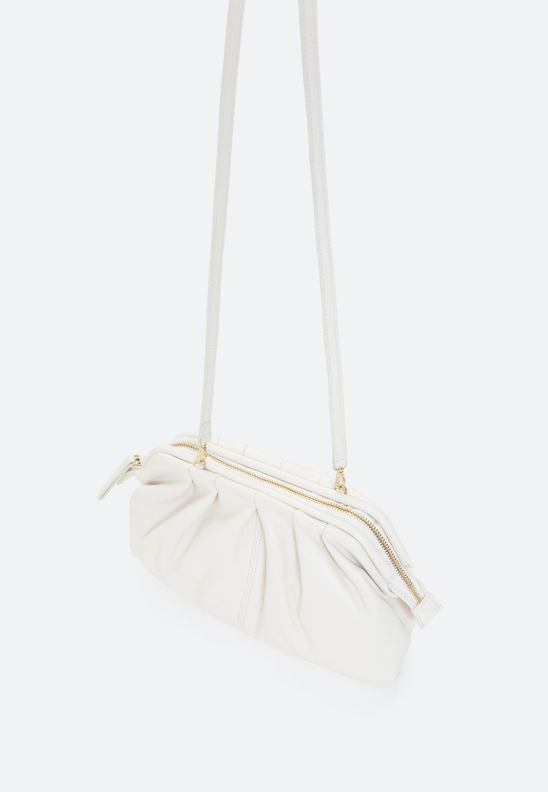Uterqüe - Across body bag - white