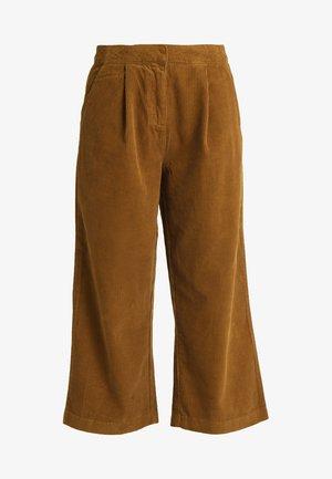 VILUSI CROPPED PANT - Pantalones - cathay spice