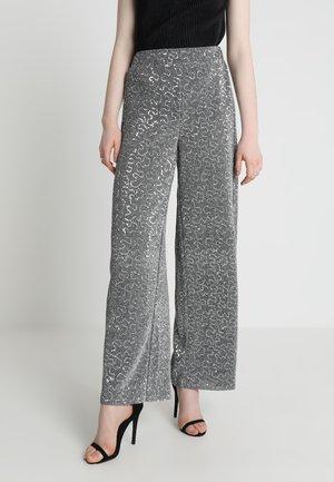 VILEZANA LOOSE PANTS - Bukse - silver