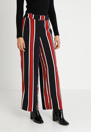 VICINDA PANTS - Bukse - blue/red