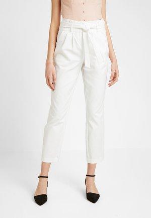 VISOFINA PANT - Kalhoty - snow white