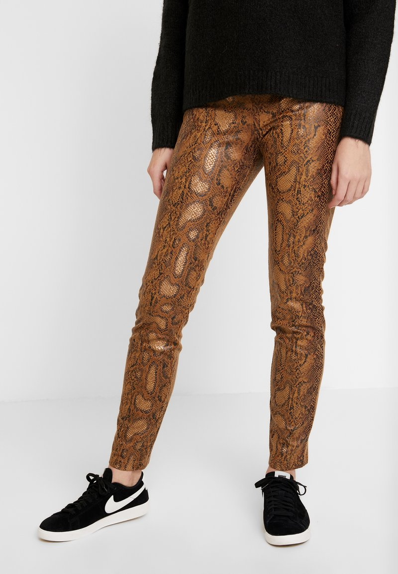 Vila - Trousers - toffee