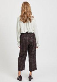 Vila - Pantalon classique - dark brown - 2