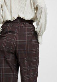 Vila - Pantalon classique - dark brown - 4