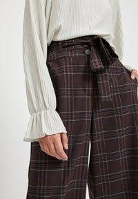 Vila - Pantalon classique - dark brown - 3
