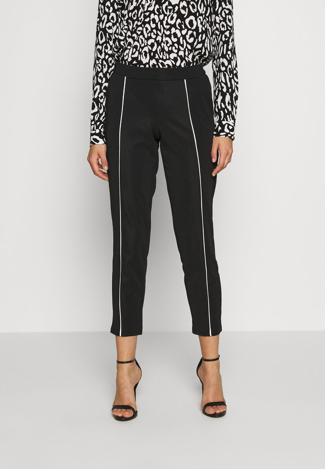 VIKRILLAS PANTS - Broek - black/cloud dancer