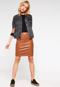 Vila - VIPEN NEW SKIRT - Blyantnederdel / pencil skirts - oak brown - 1