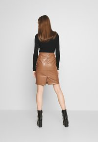 Vila - VIPEN NEW SKIRT - Jupe crayon - brown - 2