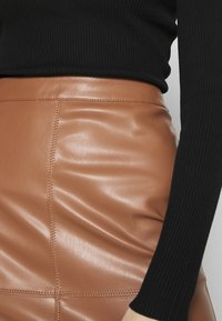 Vila - VIPEN NEW SKIRT - Jupe crayon - brown - 4