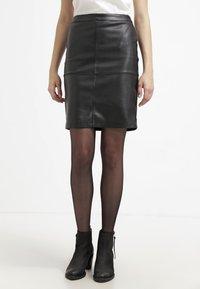 Vila - VIPEN NEW SKIRT - Pouzdrová sukně - black - 0