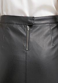 Vila - VIPEN NEW SKIRT - Pouzdrová sukně - black - 4