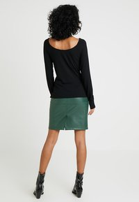 Vila - VIPEN NEW SKIRT - Pencil skirt - garden topiary - 2