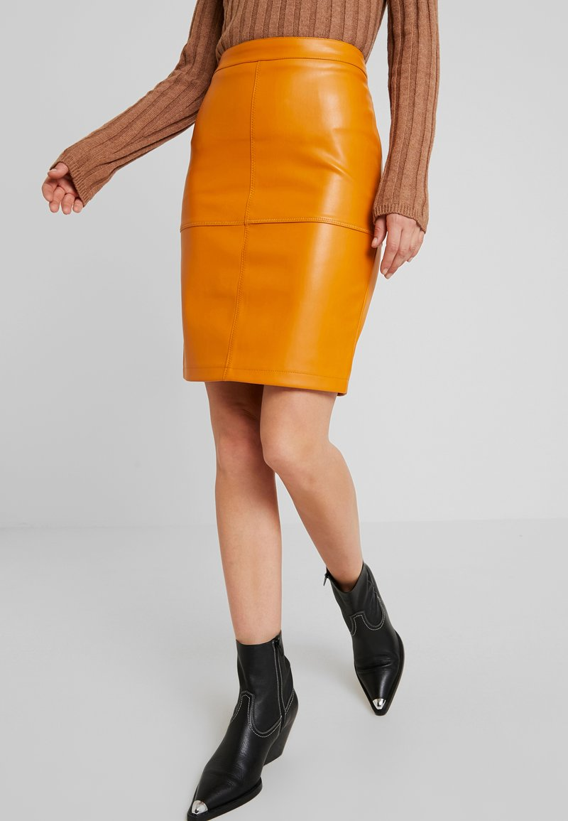 Vila - VIPEN NEW SKIRT - Bleistiftrock - golden oak