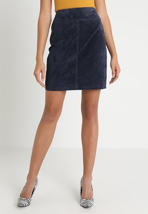 Mini skirt - navy blazer