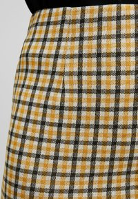 Vila - VIDIGAN PENCIL SKIRT - Pencil skirt - golden rod - 4