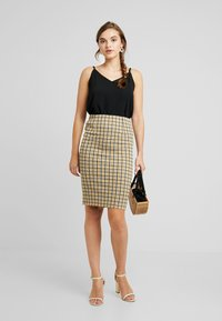 Vila - VIDIGAN PENCIL SKIRT - Pencil skirt - golden rod - 1