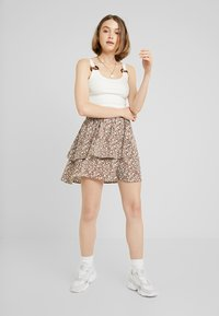 Vila - Mini skirt - caramel café/white/blue - 1