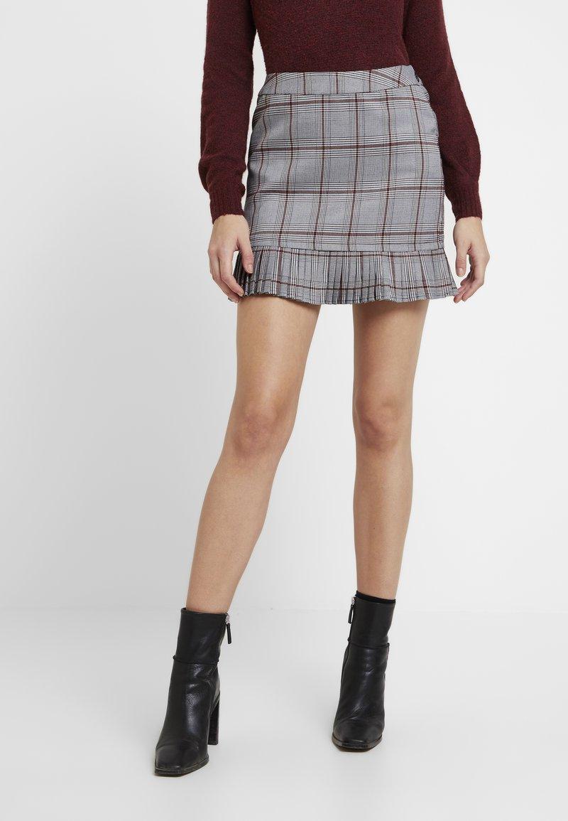 Vila - VIMINNA SKIRT - A-line skirt - black/red/white