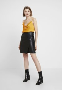 Vila - Pencil skirt - black - 1