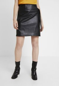 Vila - Pencil skirt - black - 0