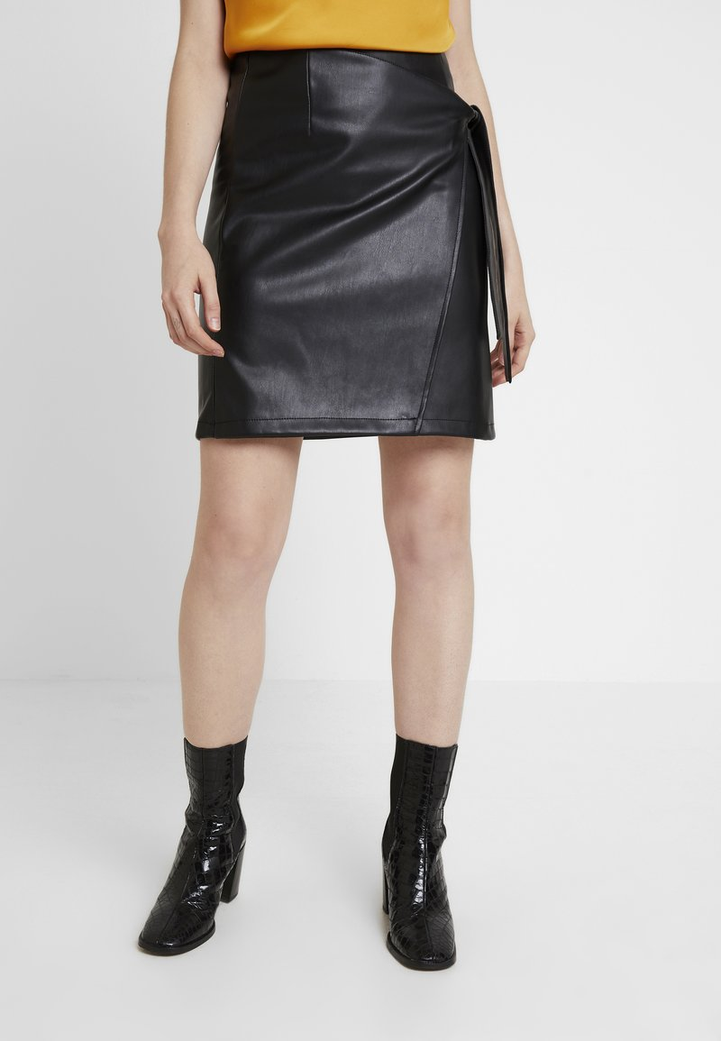 Vila - Pencil skirt - black