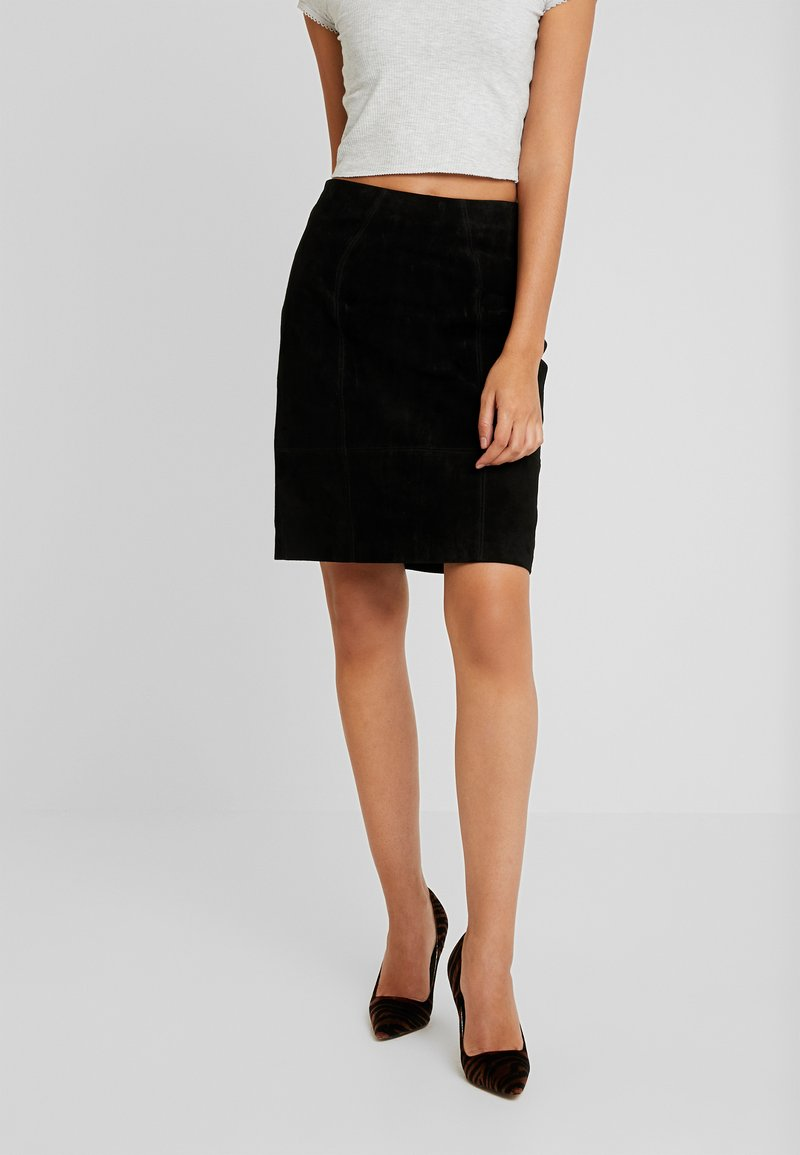Vila - Mini skirt - black