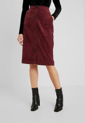 Mini skirts  - tawny port