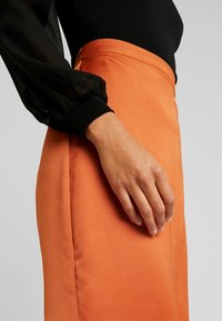 Vila - Pencil skirt - autumn leaf - 5