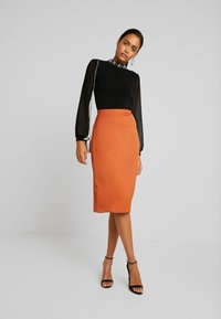 Vila - Pencil skirt - autumn leaf - 1