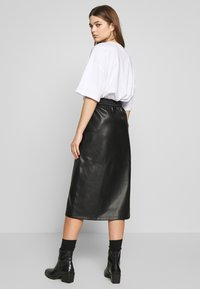 Vila - VIPULLA MIDI SKIRT - Pencil skirt - black - 2