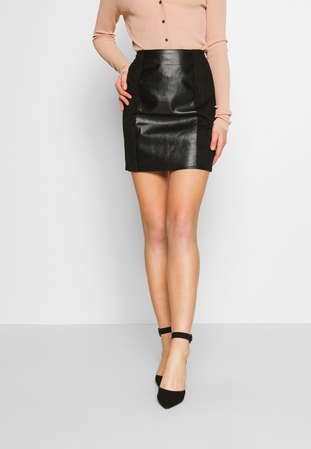 VIALFIE SHORT SKIRT - Mini skirt - black