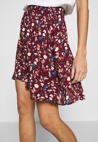 Vila - VILULU SHORT SKIRT - A-line skirt - winetasting/blue - 4