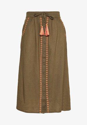 VIMEKALA SKIRT - Maxi skirt - ivy green/scarlet sage
