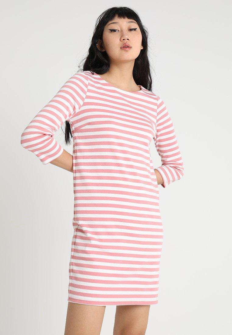Vila - VITINNY NEW DRESS - Jerseykleid - brandied apricot/snow white