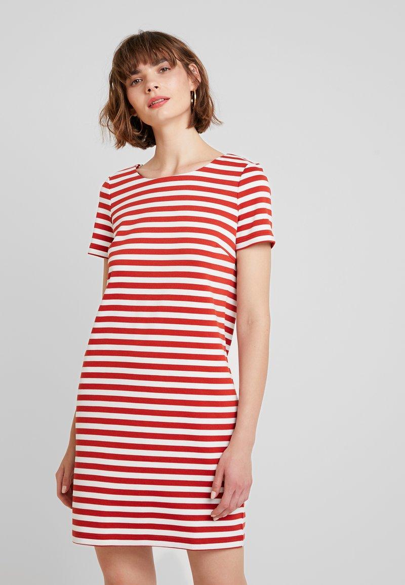 Vila - VITINNY NEW DRESS - Jerseykleid - ketchup/snow white