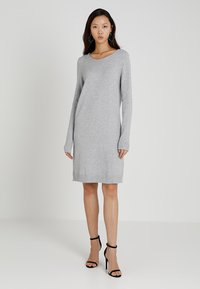 Vila - VIRIL DRESS - Pletené šaty - light grey melange - 1