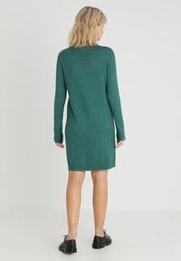 Vila - VIRIL DRESS - Pletené šaty - bayberry/melange - 2