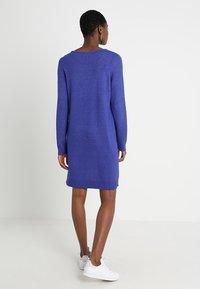 Vila - VIRIL DRESS - Pletené šaty - clematis blue/melange - 2