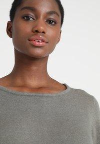 Vila - Strikket kjole - castor gray/melange - 6