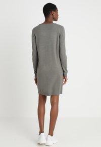Vila - Strikket kjole - castor gray/melange - 3