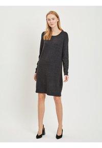 Vila - Stickad klänning - dark grey melange - 1