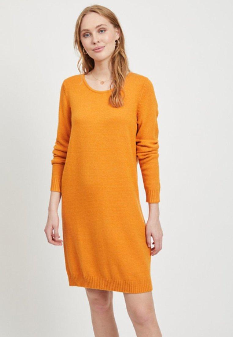 Vila - Pletené šaty - gold