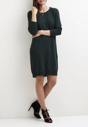 Strikket kjole - green