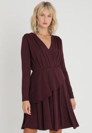 VIWANNA DRESS - Robe en jersey - winetasting