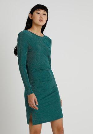 VILIBBO  - Pouzdrové šaty - bayberry