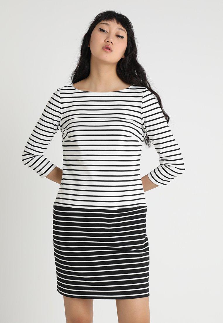 Vila - VITINNY STRIPE BLOCK DRESS - Etuikleid - snow white/black