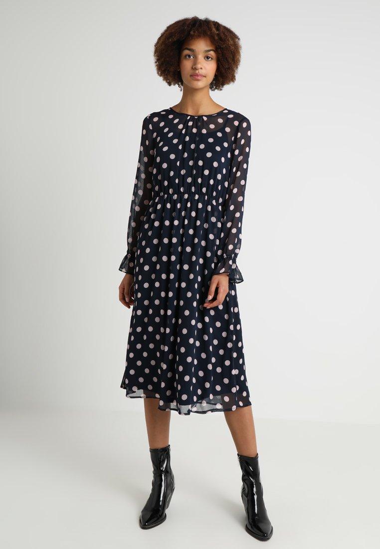 Vila - VIDOTLY O NECK MIDI DRESS - Day dress - navy blazer/lilac snow