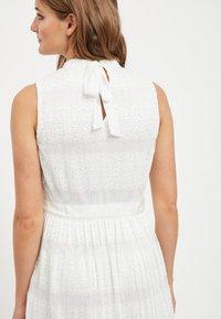 Vila - SPITZEN - Maxi dress - offwhite - 4